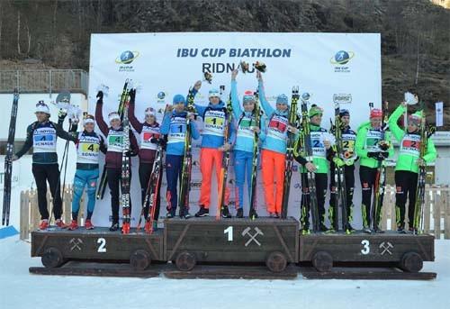 Русские биатлонисты стали победителями смешанной эстафеты наэтапе Кубке Европы
